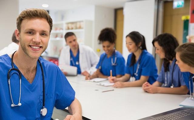 Học bổng trị giá lên tới 120.000 euro dành cho ứng viên trúng tuyển sẽ theo học 2 ngành Y tế công cộng và Y học nhiệt đới tại bất kỳ quốc gia đang phát triển nào (trong đó có Việt Nam) - (Ảnh minh họa).