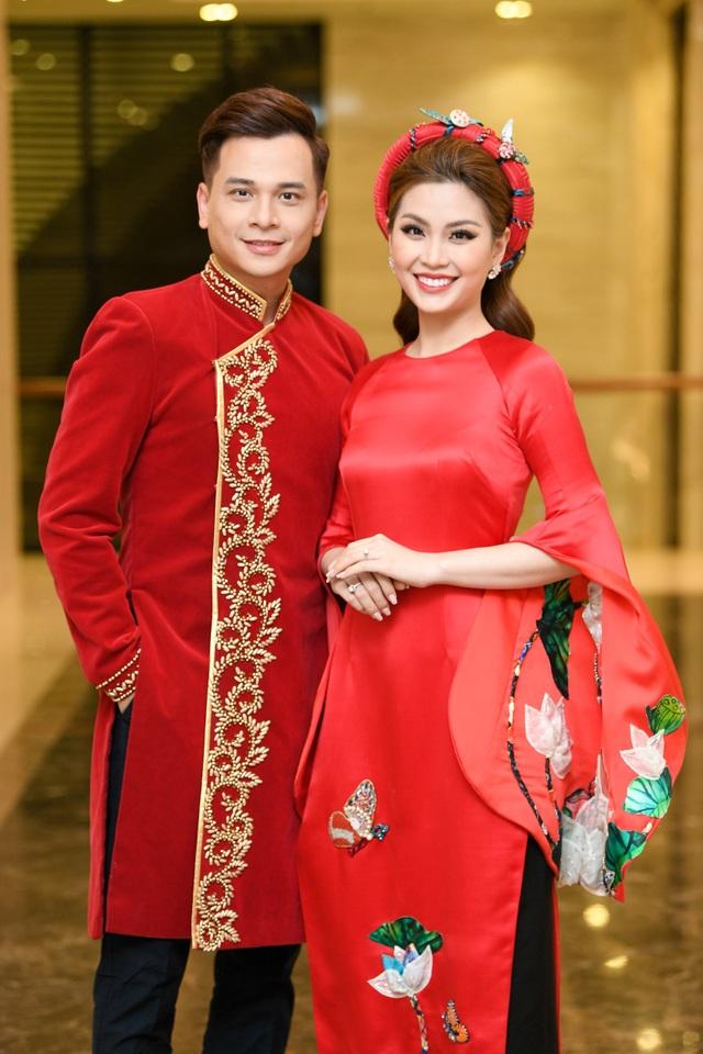 Á hậu Diễm Trang và MC Danh Tùng đảm nhận vai trò dẫn dắt chương trình.