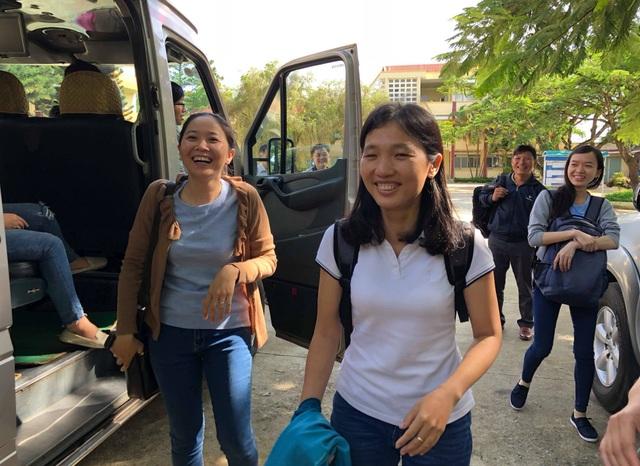 Sáng nay, đội ngũ giảng viên trường ĐH Nông lâm đã có mặt tại Pleiku và bắt đầu di chuyển về các huyện xa