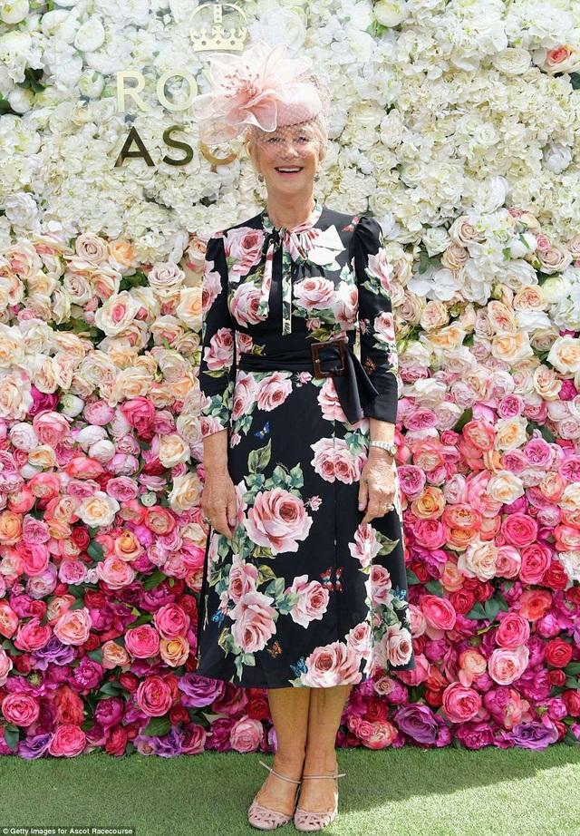 Ngôi sao điện ảnh Helen Mirren trẻ trung hơn tuổi 72