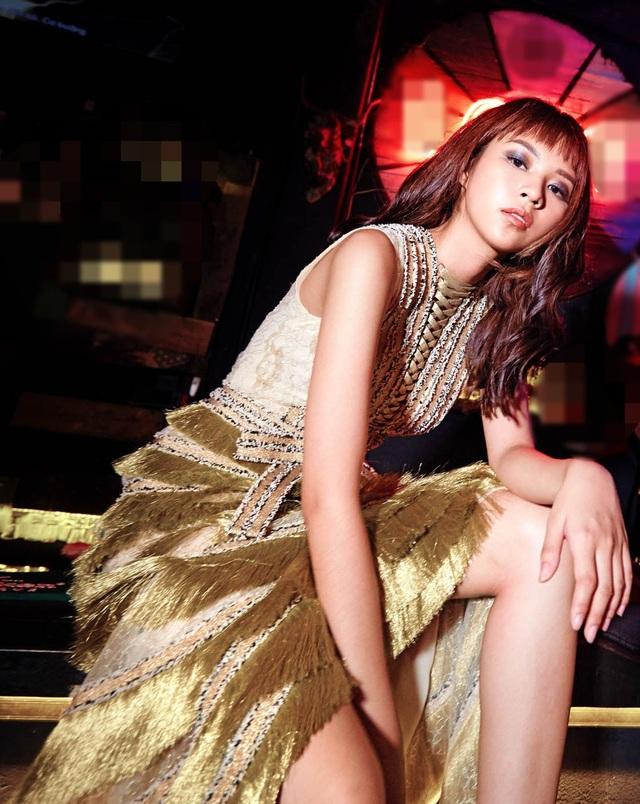 Phí Phương Anh cho biết, một cú chuyển mình mạnh mẽ để thoát khỏi hình ảnh một người mẫu thương mại đã được đóng đinh và trở thành một người có sức ảnh hưởng đến giới trẻ, lan toả tinh thần thời trang ở khắp mọi nơi là những gì cô mong muốn mang đến trong thời gian tới.