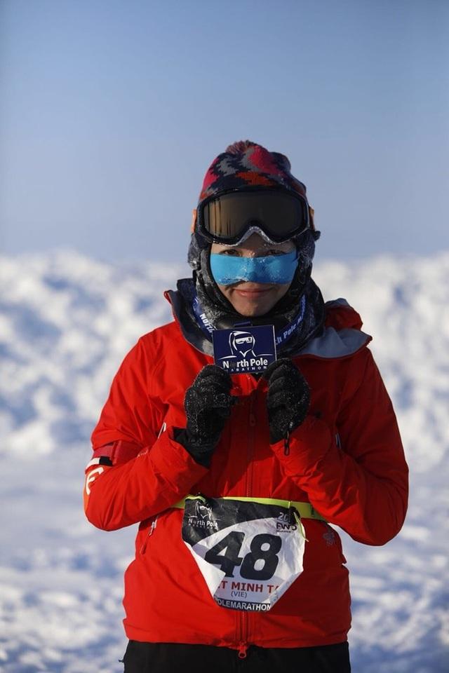 Tăng Nguyệt Minh tự hào là người Việt Nam đầu tiên tham gia cuộc chạy marathon trên Bắc Cực.