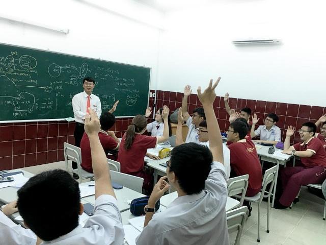 Thầy Đặng Thanh Phong (giáo viên Trường Quốc tế Á Châu) - tác giả bài viết.