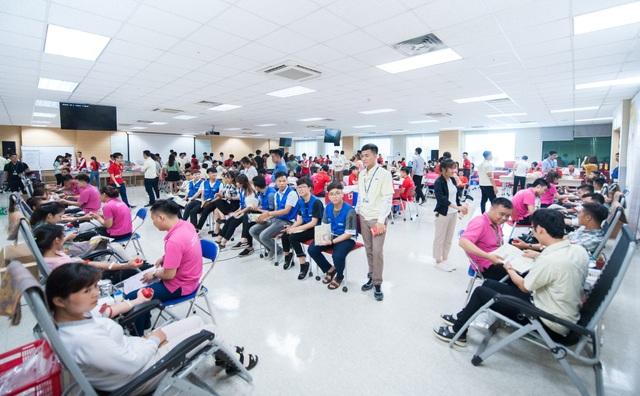 Hiến máu tình nguyện: Chung dòng máu Việt - 2