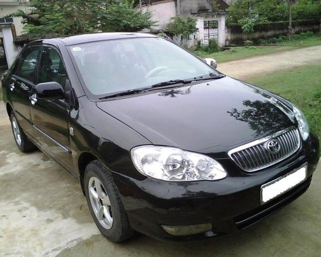 Toyota Corolla Altis đời 2003 – 2005 được rao bán từ 250 – 300 triệu đồng.