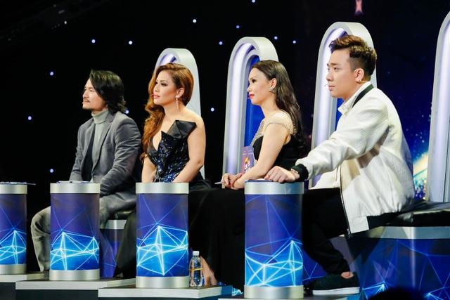 Trấn Thành, Cẩm Ly, Minh Tuyết, đạo diễn Hoàng Nhật Nam xúc động trước tình yêu với âm nhạc của thí sinh mắc bệnh hiểm nghèo.
