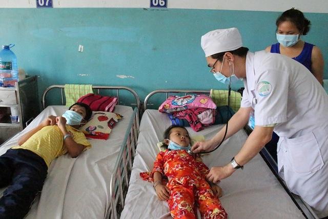 Cuộc chiến với bệnh tật trong cảnh nghèo khốn của gia đình trở nên bi thương