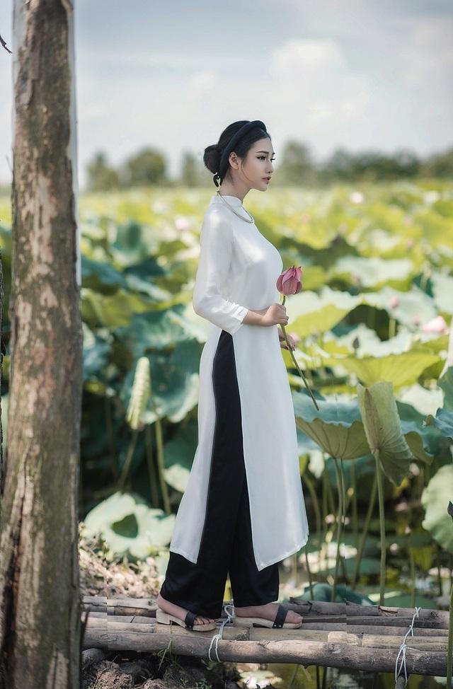 Yêu thích đi du lịch nên Trang có quan điểm sống thoáng, cô bạn thích tự lập, tự làm chủ cuộc sống.
