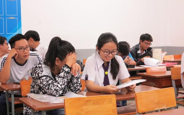 Tại điểm thi trường THPT Marie Curie, thí sinh được phổ biến kỹ về quy chế thi