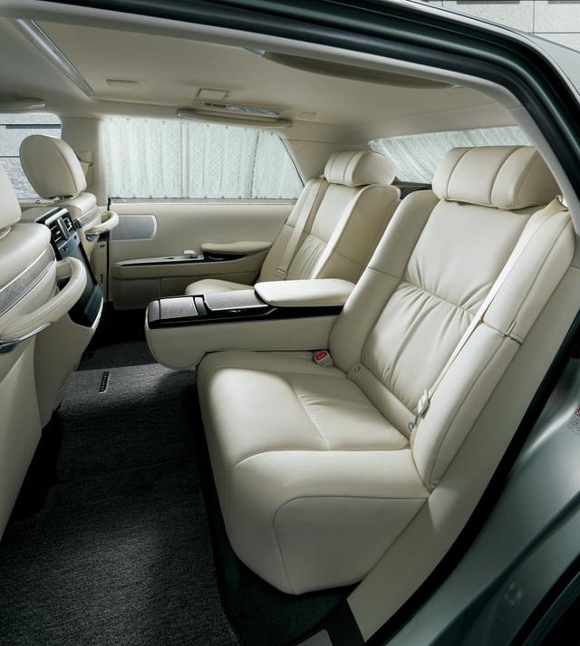 Cận cảnh chiếc Toyota đẳng cấp Rolls-Royce, giá siêu xe - 13