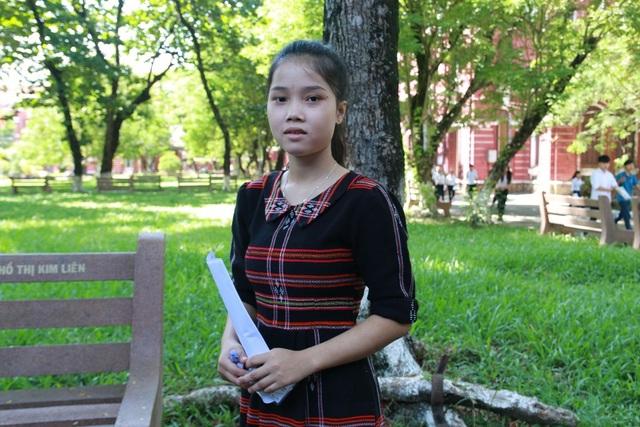 Gương mặt dễ thương của em Hồ Thị Bưởi, dân tộc Cơ-tu