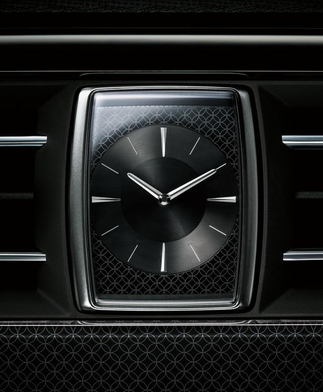 Cận cảnh chiếc Toyota đẳng cấp Rolls-Royce, giá siêu xe - 15