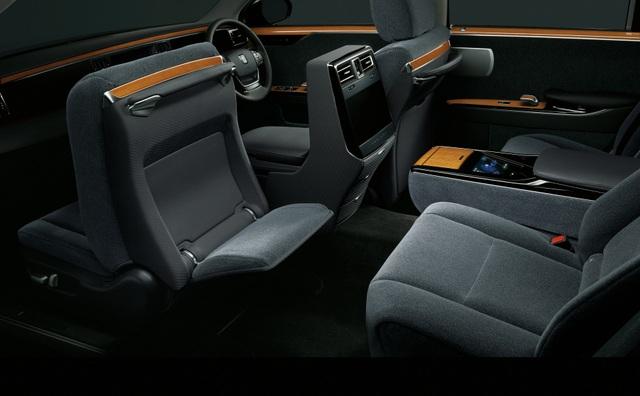 Cận cảnh chiếc Toyota đẳng cấp Rolls-Royce, giá siêu xe - 20