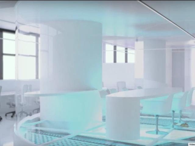 Iorio dự kiến xây dựng một khán phòng toàn bộ bằng kính, nơi các cộng sự có thể sử dụng điều khiển từ xa để biến chúng trở thành màn hình hiển thị, chơi game, hoặc trao đổi tiền ảo với nhau.