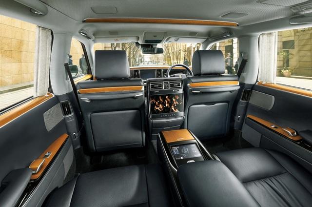 Cận cảnh chiếc Toyota đẳng cấp Rolls-Royce, giá siêu xe - 17