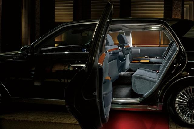 Cận cảnh chiếc Toyota đẳng cấp Rolls-Royce, giá siêu xe - 10