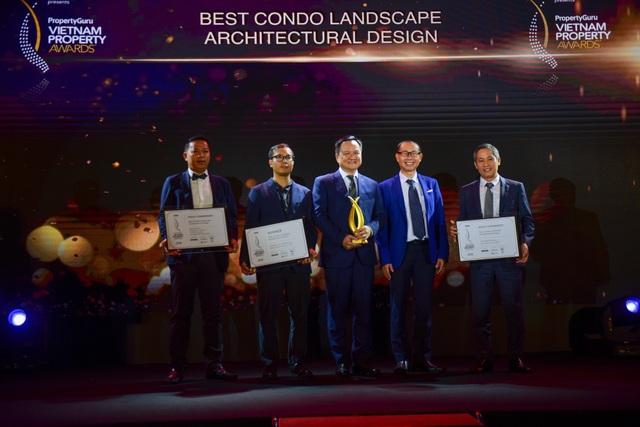 Ông Nguyễn Vĩnh Trân, Chủ tịch kiêm Tổng giám đốc MIK Group nhận giải thưởng