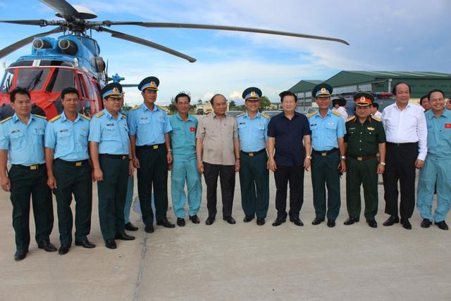 Binh đoàn 18 thực hiện nhiệm vụ bay chuyên cơ phục vụ Thủ tướng Nguyễn Xuân Phúc năm 2017