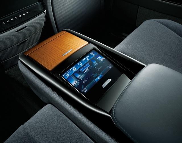 Cận cảnh chiếc Toyota đẳng cấp Rolls-Royce, giá siêu xe - 19