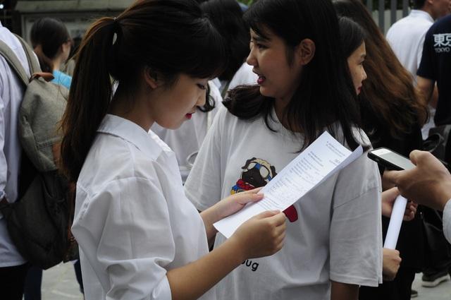 Thí sinh dự thi THPT quốc gia 2018 tại Hà Nội. (Ảnh: Mỹ Hà).