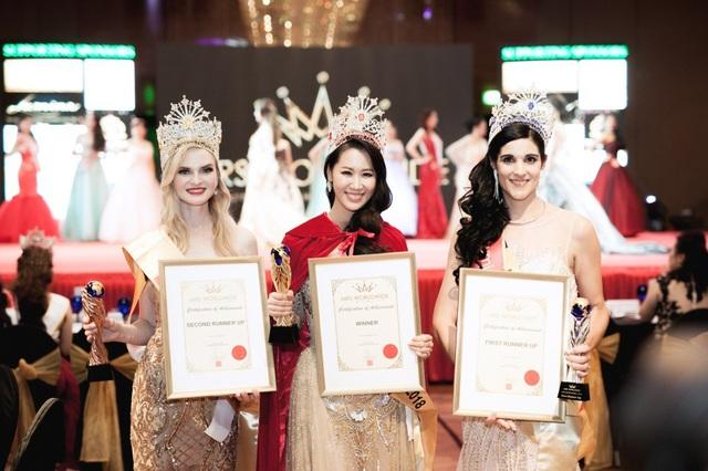 Á hậu 1 cuộc thi thuộc về đại diện của Nam Phi, Á hậu 2 được trao cho đại diện của Nga.
