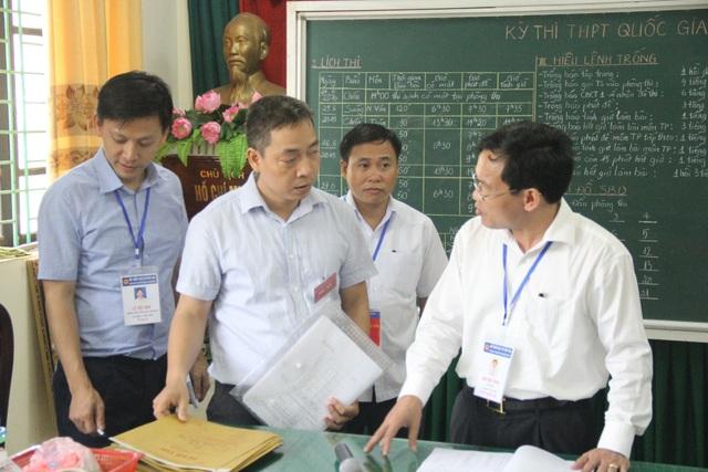 PGS.TS Mai Văn Trinh, Cục trưởng Cục Quản lý chất lượng, Bộ Giáo dục và Đào tạo (GDĐT) đã kiểm tra đột xuất hai điểm thi tại thành phố Bắc Ninh.