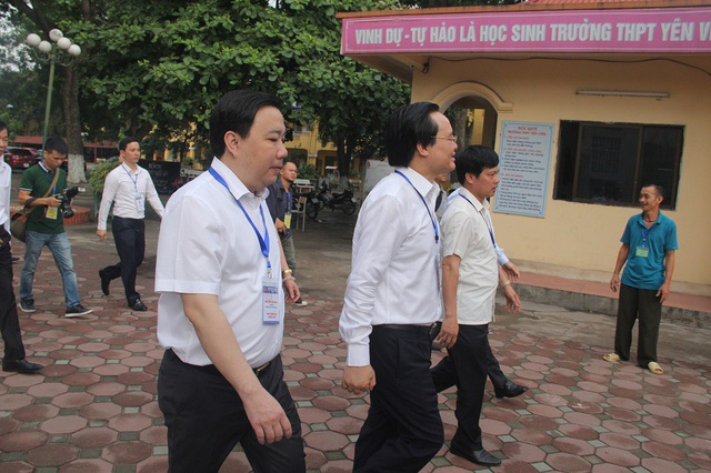 Bộ trưởng Phùng Xuân Nhạ thị sát thi ngày đầu tại Gia Lâm, Hà Nội - 6
