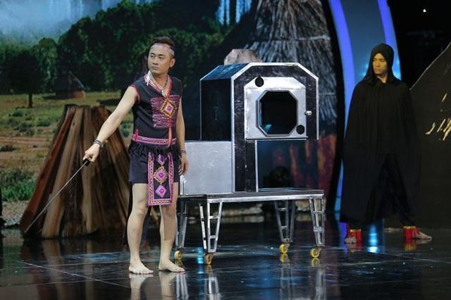 """o thuật gia Lư Phong đã xuất sắc giành chiến thắng trong đêm bán kết thứ hai, trở thành gương mặt thứ tiếp theo được chọn vào chung kết """"Ảo thuật siêu phàm 2018""""."""