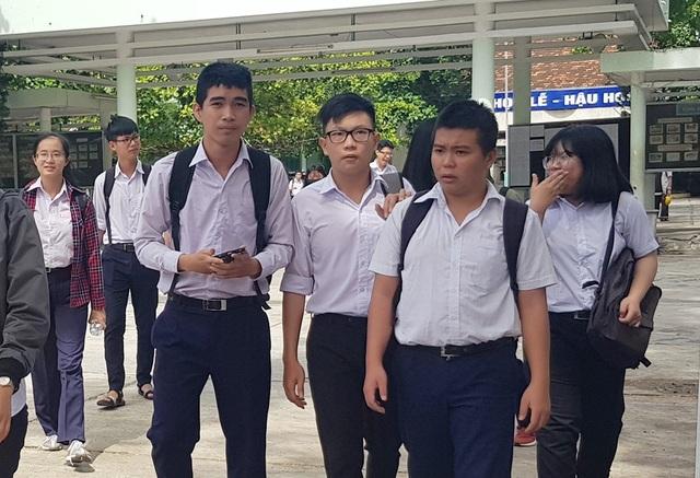 Thí sinh dự thi môn Ngữ văn kỳ thi THPT quốc gia 2018 tại Nha Trang, Khánh Hòa (Ảnh: Viết Hảo)