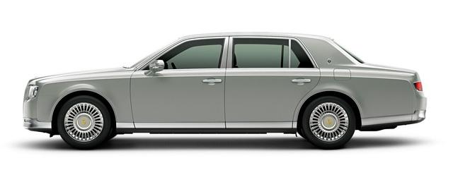Dù có giá chỉ bằng một nửa xe Rolls-Royce, nhưng gần 178.000 USD không phải là con số dễ chịu.