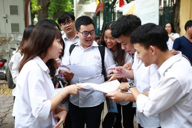 Thí sinh Hà Nội tan thi môn Toán.