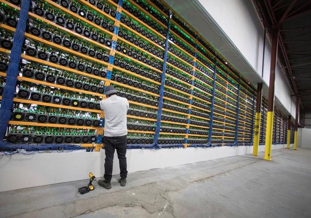Bất chấp việc sụt giảm so với thời điểm đầu năm, nhưng thị trường Bitcoin vẫn đặc biệt thu hút các nhà đầu tư và dân đào tiền ảo.