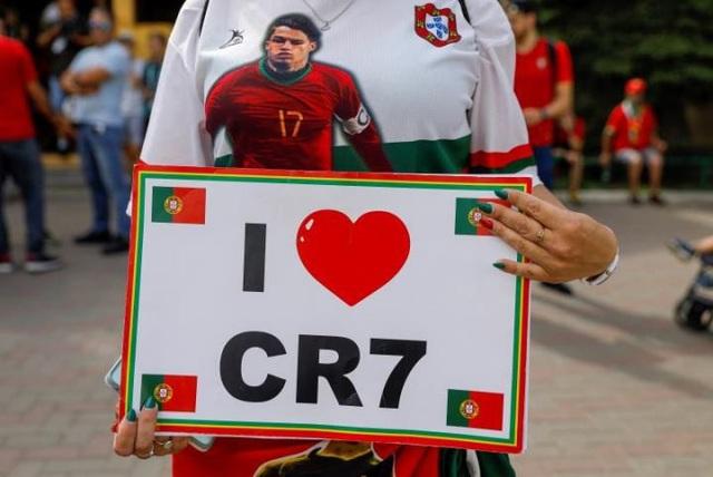 CR7 chiếm trọng tình yêu của nhiều cổ động viên nữ
