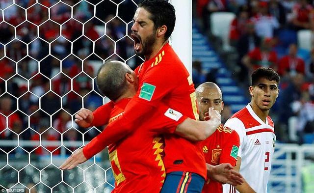 Isco và Iniesta, Silva tạo nên những đợt tấn công biến ảo cho Tây Ban Nha