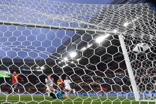 Tình huống Isco gỡ hòa 1-1 cho Tây Ban Nha ở phút 19