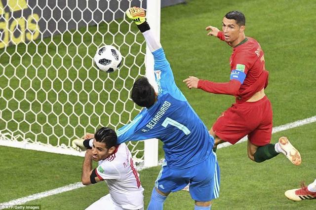 Ronaldo cũng có cơ hội, nhưng anh nhiều lần không đánh bại được thủ môn Ali Beiranvand