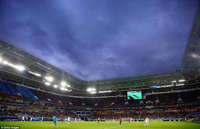 Trận đấu trên sân Kaliningrad sôi động và nghẹt thở trong suốt 90 phút