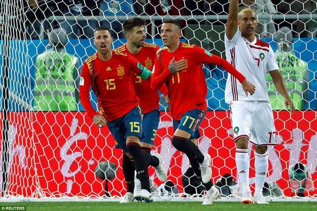 Tây Ban Nha hút chết trước Ma rốc và giành kết quả hòa 2-2 chung cuộc
