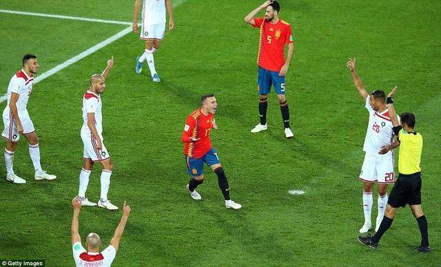 Aspas đã được công nhận bàn gỡ hòa 2-2 từ trọng tài Irmatov, sau khi xem công nghệ VAR