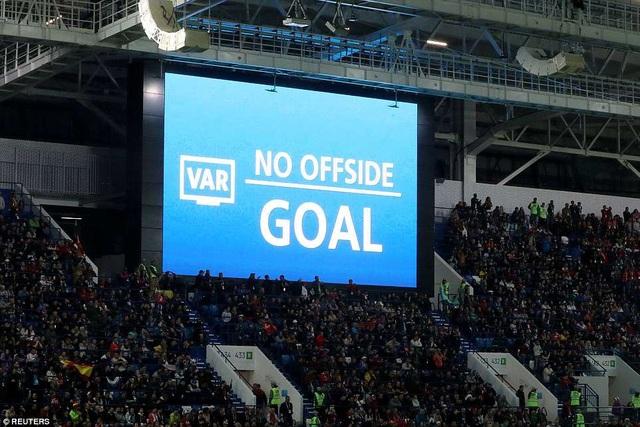 Công nghệ VAR công nhận bàn thắng của Aspas ở phút 90+2 và khẳng định đó không phải tình huống việt vị