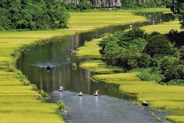 Du lịch Ninh Bình: Tăng sức hấp dẫn, nhưng vẫn cần cải thiện - 1