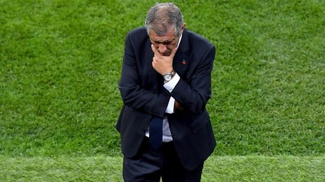 HLV Bồ Đào Nha, ông Fernando Santos đăm chiêu khi chứng kiến học trò bế tắc
