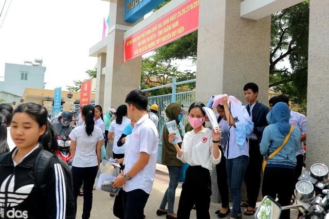 Các thí sinh ở Quảng Nam cho rằng, đề thi môn Hóa có tính phân loại cao. (Ảnh: Công Bính)