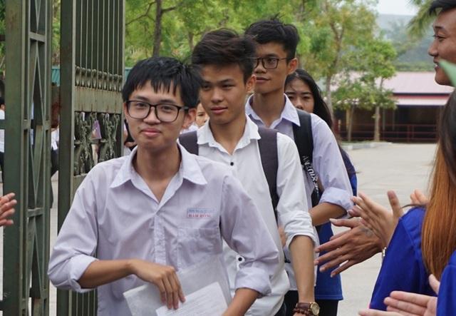 Các thí sinh sau buổi thi tổ hợp Khoa học tự nhiên tại Thanh Hóa. (Ảnh: Duy Tuyên)