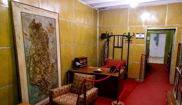 Hầm trú ẩn cũng được xây dựng với mục đích là căn cứ chiến đấu. (Ảnh: AP)