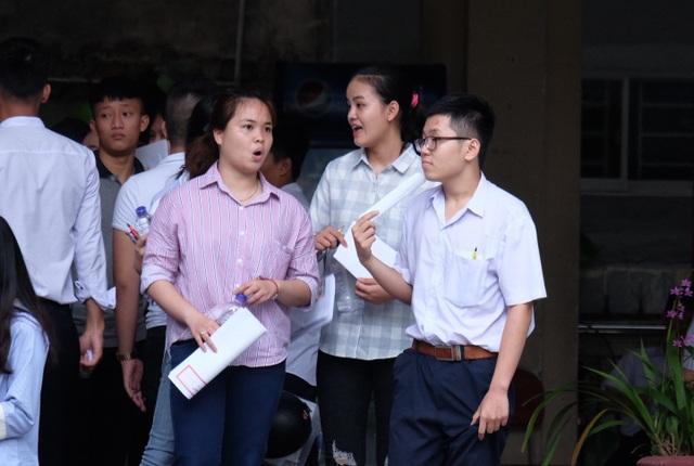 các thí sinh tại Đà Nẵng đánh giá đề thi Ngoại ngữ năm nay khó hơn hẳn mọi năm