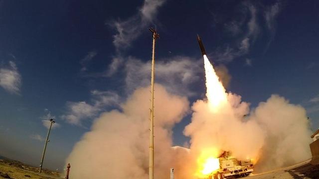 Tên lửa được phóng từ căn cứ không quân Palmachim tại Israel (Ảnh: Times of Israel)
