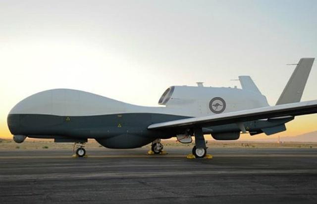 Máy bay không người lái MQ-4C (Ảnh: Bộ Quốc phòng Mỹ)