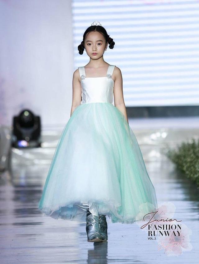 Huỳnh Phương Anh luôn biết cách tỏa sáng và trở thành tâm điểm chú ý ở bất kỳ sàn diễn nào.