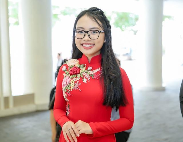 Một trong những gương mặt được chú ý nhiều nhất tại chương trình là nữ ca sĩ nhí Phương Mỹ Chi.